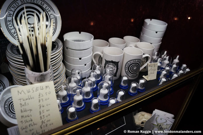 Kuriositätenkabinett London Viktor Wynd Museum Souvenir