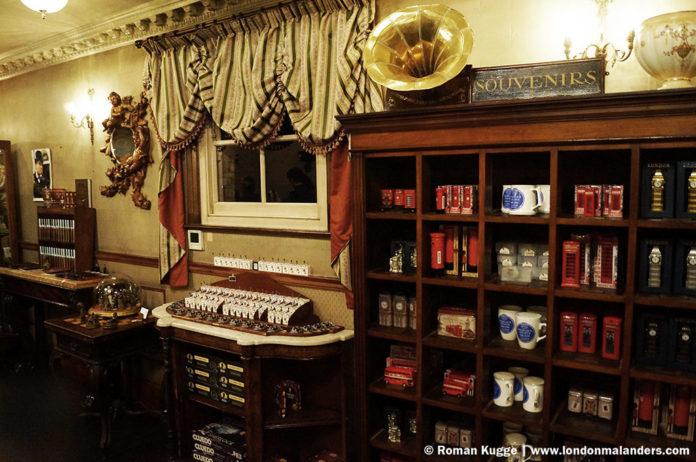 Sherlock Holmes Museum London Souvenir Shop