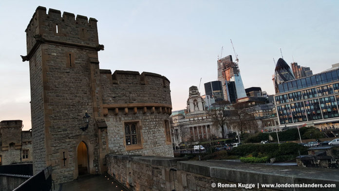 Tower of London Rundgang Mauern