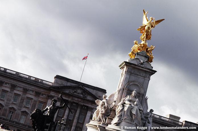 Wachablösung London Buckingham Palace