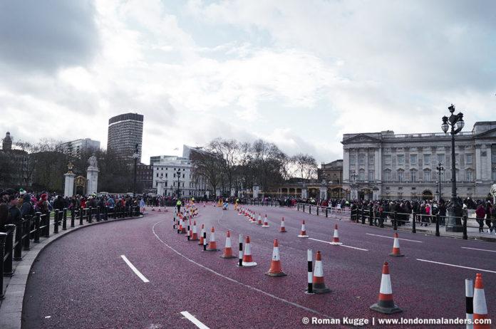 Wachablösung London Buckingham Palace Straßenrand
