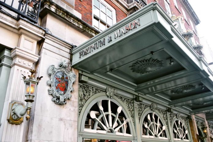 Fortnum and Mason Kaufhaus London Eingang