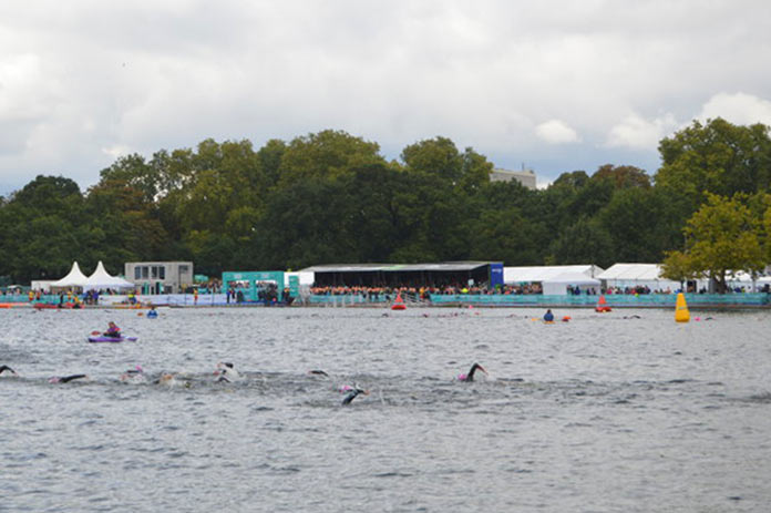 Peter Pan Cup Swimming in the Serpentine Weihnachten London