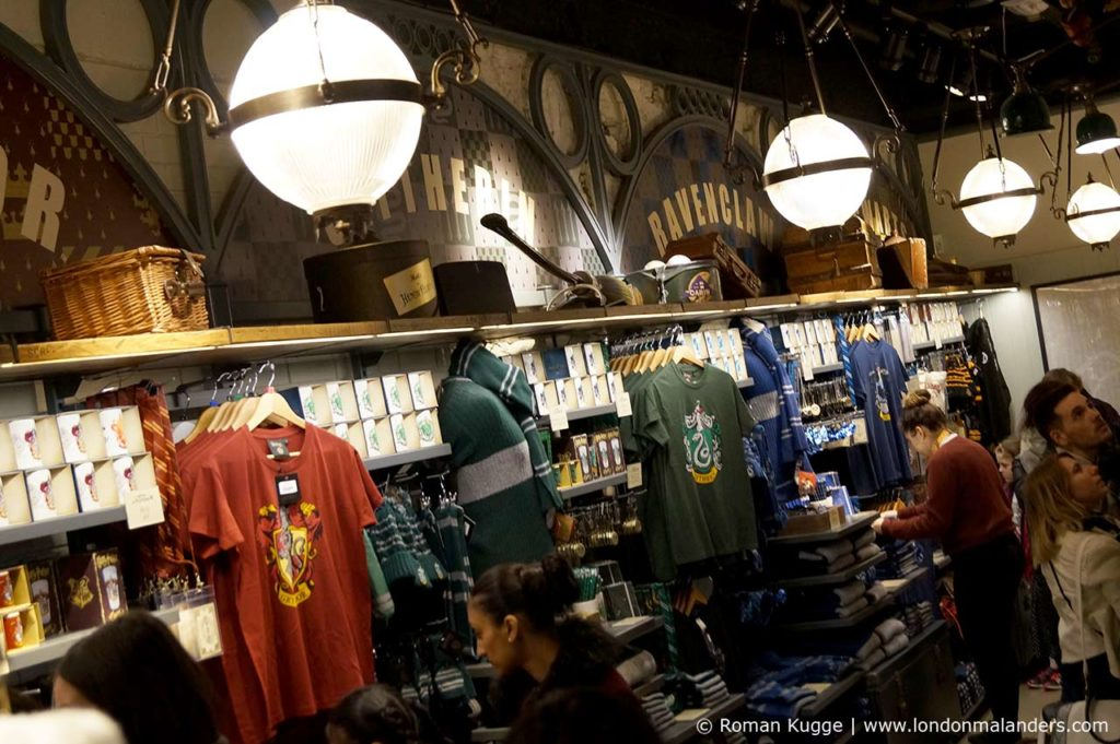 Gleis 9 34 Harry Potter Souvenir Shop London