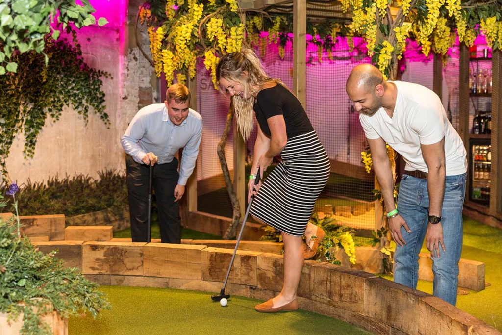 Swingers Minigolf Bar London (3)