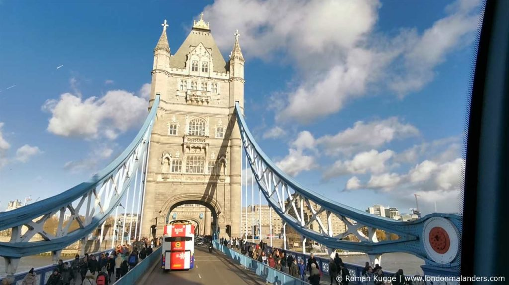 Tower Bridge London mit dem Bus