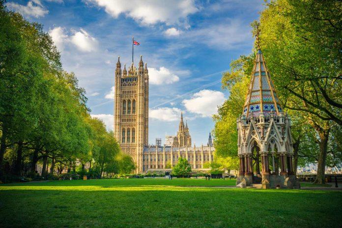 Victoria Tower Gardens Park London